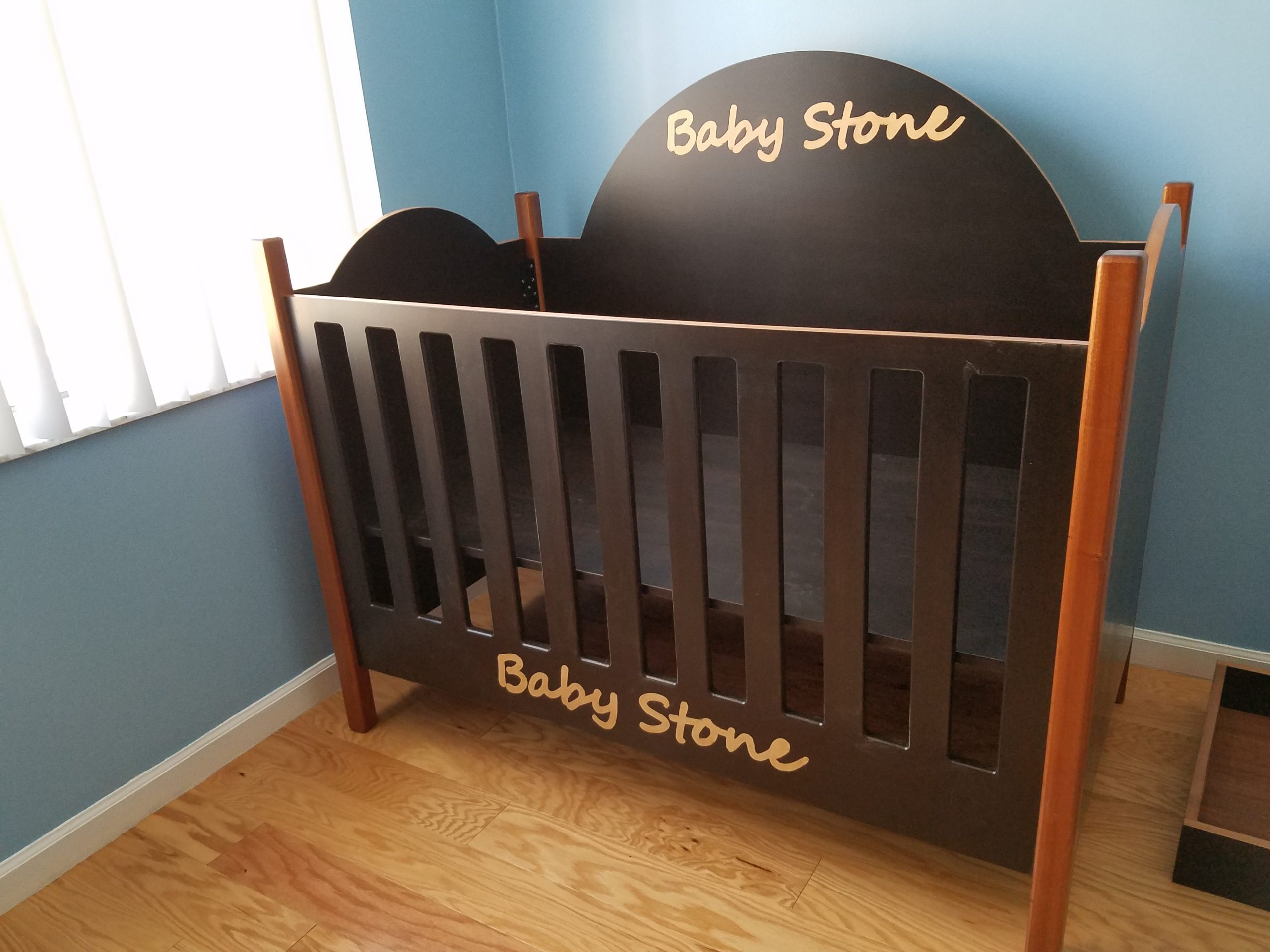 GUYTON Custom Crib